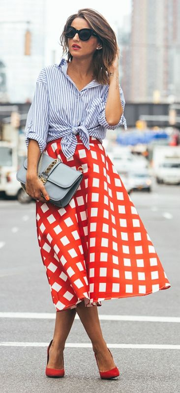 The Outfits That Will Show You How To Wear The Vertical Stripes Trend
