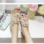 US$17.66 Flower Bohemia Clip Toe Elastic Flat Sandals For Women_Women Flat Sanda...