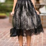 Why modern girls prefer to put on lace skirts