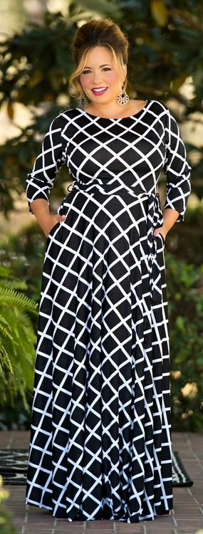 Wonder if this would look good on me? Neckline a little wide, but the style is S…