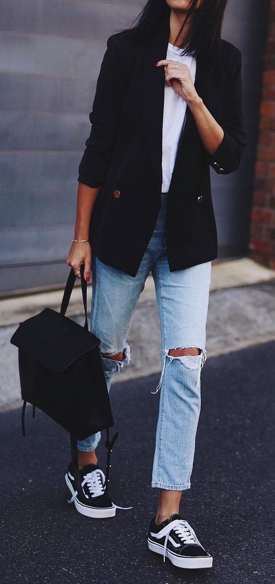 You Only Need 10 Neutral Staples to Create an Endless Wardrobe  — MappCraft