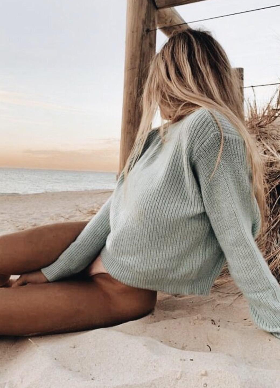 pinterest @kyliieee   beachy blonde balayage hair   sunkissed body goals   summer beach aesthetic
